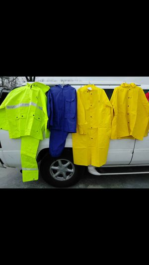 RAIN SUITS COATS RUBBER BOOT STEEL TOE WORK SHOES. READ DETAILS for Sale in St. Louis, MO