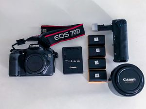 Canon 70D with Accessories and Lens for Sale in New York, NY
