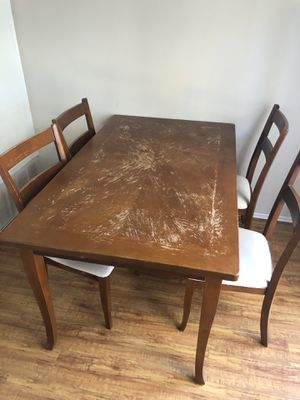 Dining table with 6 chairs for Sale in Los Angeles, CA