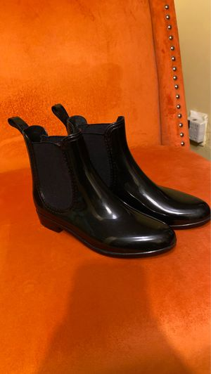 Rain boots size 6 for Sale in Queens, NY