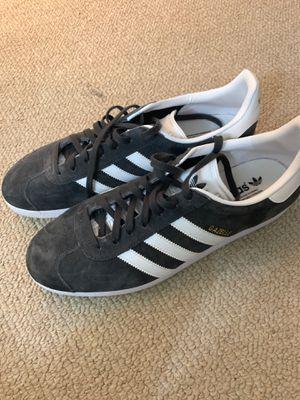 Adidas men's gazelle sz 11 for Sale in Rockville, MD