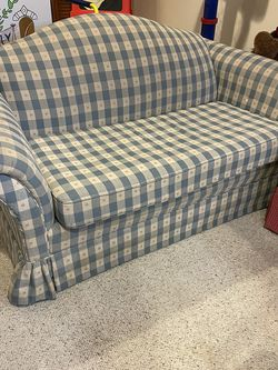 Loveseat for Sale in Galloway,  OH