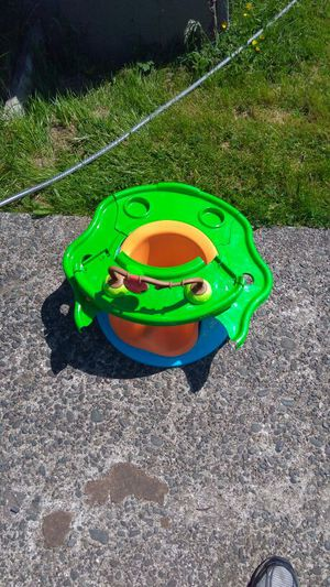 High chair for Sale in Aberdeen, WA