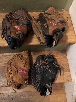 Baseball gloves for Sale in Old Bridge Township, NJ