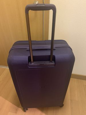 "29"" Upright Delsey Paris Expandable Helium SHADOW Spinner Trolley Suitcase for Sale in Seattle, WA"