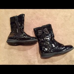 Girl Size 8 Black Patent Leather Boots for Sale in Bountiful, UT