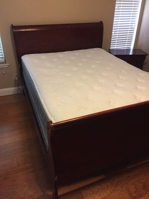 Cherry queen sleigh bed with dresser and night stand for Sale in Sacramento, CA