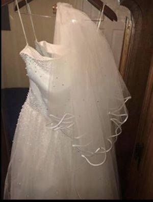 Wedding Dress for Sale in Pomfret, MD