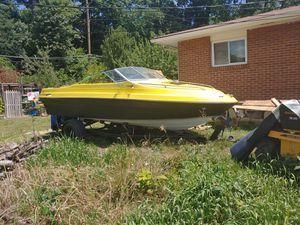 1983 sea ray Seville 18ft with trailer and title for Sale in Columbus, OH