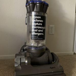 Dyson DC33 Vacuum for Sale in Aliso Viejo, CA