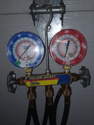 Yellow Jacket Test and Charging Manifold for Sale in Eatonville, WA