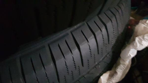 Toyota tundra 2012 rims and tires