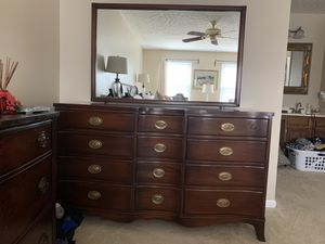 DRESSER WIT MIRROR for Sale in Dumfries, VA