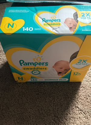 Pampers swaddlers Newborn opened box 129 count for Sale in Pearl City, HI