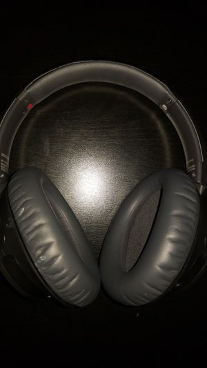 Sony Wch700n noise cancelling headphones (wireless) for Sale in Fountain Valley, CA