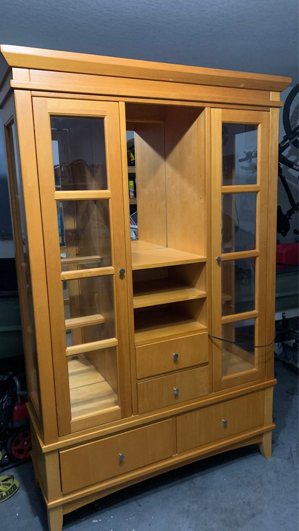 Cario cabinet
