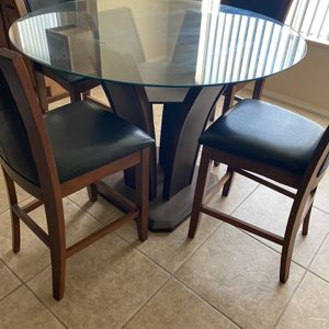 Awesome Condition Dining Table for Sale in Tempe, AZ
