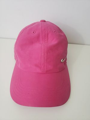 Pink Nike s1ze Heritage 86 hat w/ silver swoosh fitted baseball cap for Sale in Orlando, FL