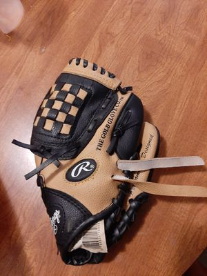 Rawlings tee ball baseball glove for Sale in Upland, CA
