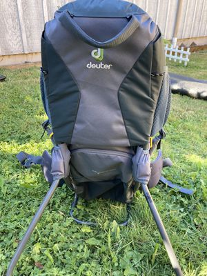 Deuter hiking backpack for Sale in Orting, WA