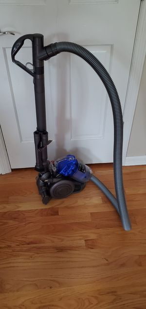 Dyson City DC26 multi-floor vacuum for Sale in Naperville, IL