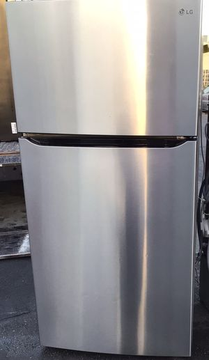 LG Top-Freezer Refrigerator for Sale in San Leandro, CA
