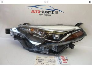 TOYOTA COROLLA LEFT DRIVER DUAL BEAM LED HEADLIGHT OEM 2017 2018 2019 for Sale in Compton, CA