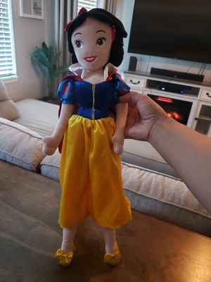 "20"" Plush Cinderella Doll, $20 FIRM!!! for Sale in Dinuba, CA"