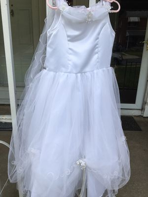 White Flower Girl Dress size 7 for Sale in Baltimore, MD