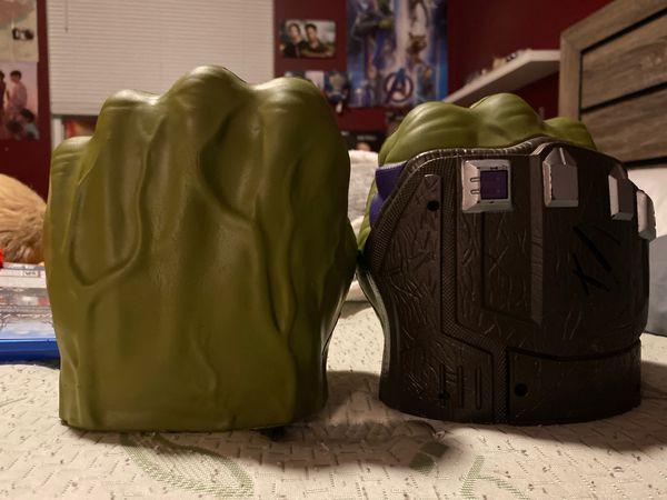 Marvel Thor ragnarok hulk fists with working sounds