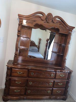 Luxurious Solid Wood 5-Piece Queen Bedroom Set; MUST HAVE for Sale in Alexandria, VA
