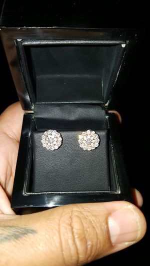 Diamond 14k Gold Earrings for Sale in Philadelphia, PA