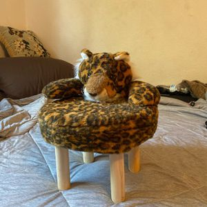 kid step stool / chair for Sale in North Las Vegas, NV