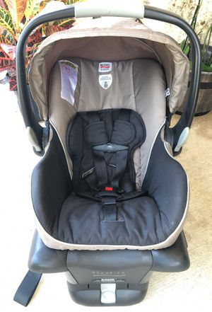 Car seat / baby carrier for Sale in Austin, TX