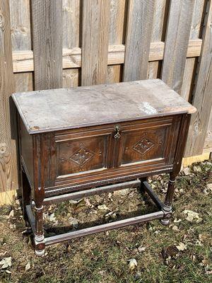 Antique record cabinet $45 for Sale in Oak Lawn, IL