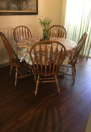 🍁🍂🧡 Beautiful Heavy Oak 6 Piece Dining Set Table OBO🧡🍂🍁 for Sale in Fresno, CA