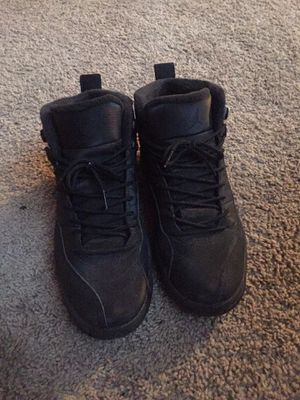 Jordan 12 black/black for Sale in Oxon Hill, MD