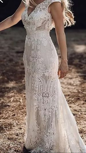 Wedding dress Perfect for beach wedding size S for Sale in Bensenville, IL
