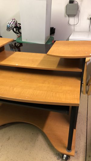 Desk for Sale in Ankeny, IA