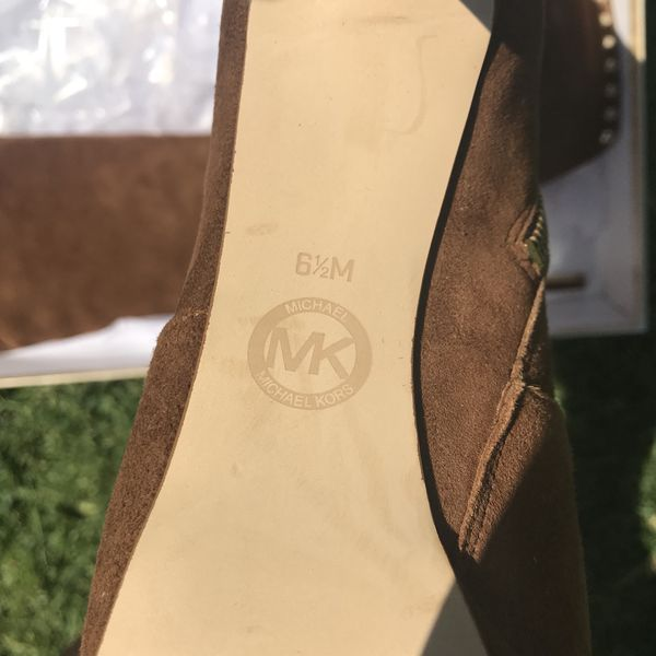 MICHAEL KORS TALL BOOT SIZE 6.5