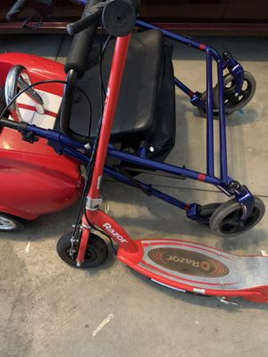 electric razor scooter for Sale in Beachwood, OH