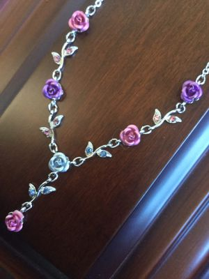 🌿🌹🌿 Beautiful and delicate Rose necklace / Fine fashion jewelry new with gift box , 💕 for Sale in Alexandria, VA