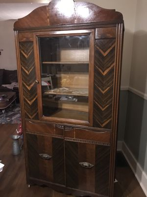 Antique china closet. Good condition $150. for Sale in Mount Lebanon, PA