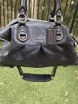 Coach Silver Grey Purse With Matching Wallet for Sale in San Diego,  CA