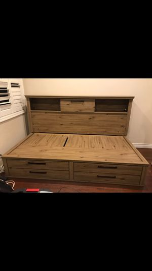 Twin bed frame for Sale in Gardena, CA