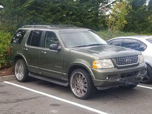 02' green Ford Explorer for Sale in Everett, WA
