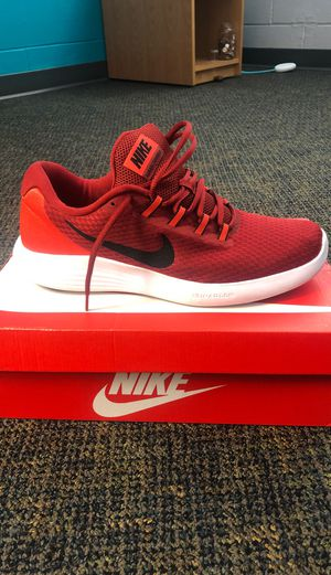Nike Shoes (size 11) for Sale in Ottumwa, IA