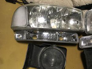GMC Sierra headlights and fog lights for Sale in Selma, CA