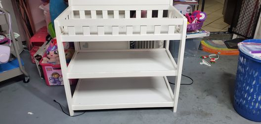 Baby Changing Table for Sale in Rancho Dominguez,  CA