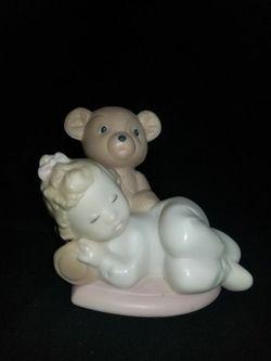 Lladro Golden Memories 1993 Daisa Girl Sleeping on Teddy Bear for Sale in Portland,  OR